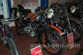 博物馆内的自行车和摩托车